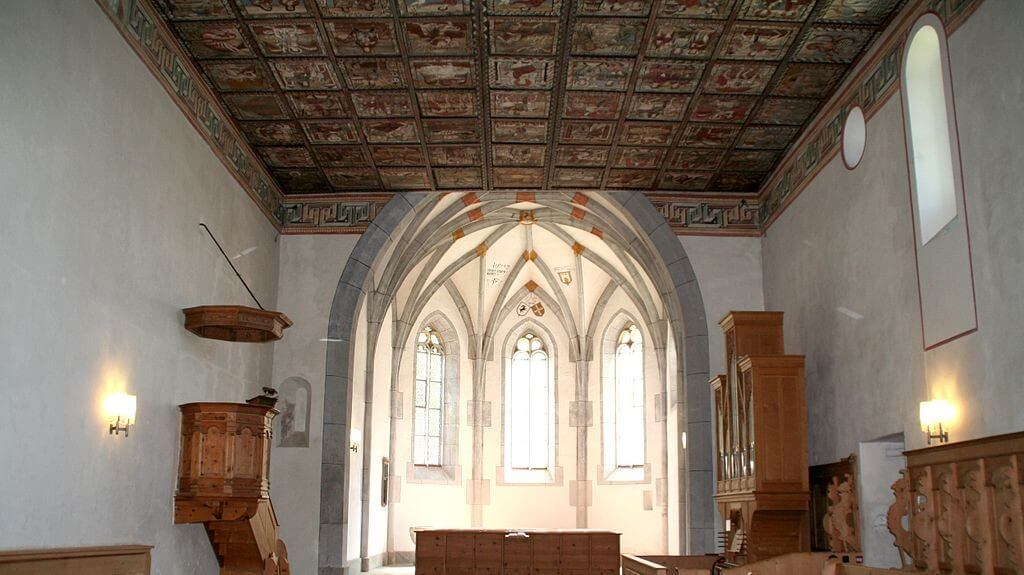 La Iglesia de San Martín en Zillis tiene un techo pintado del siglo XII