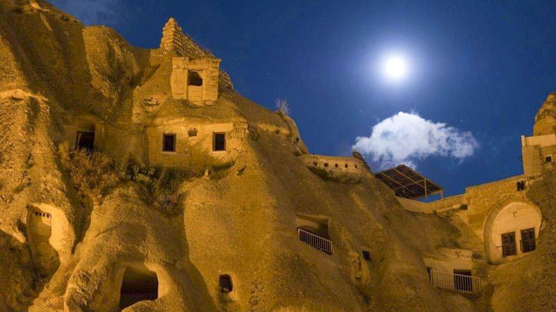 Vista nocturna de goreme Turismo Religioso en Capadocia
