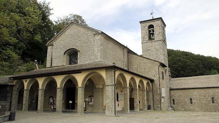 Vista exterior del Santuario Franciscano, Abadías Italianas – Crédito Di Mongolo Wikimedia Commons