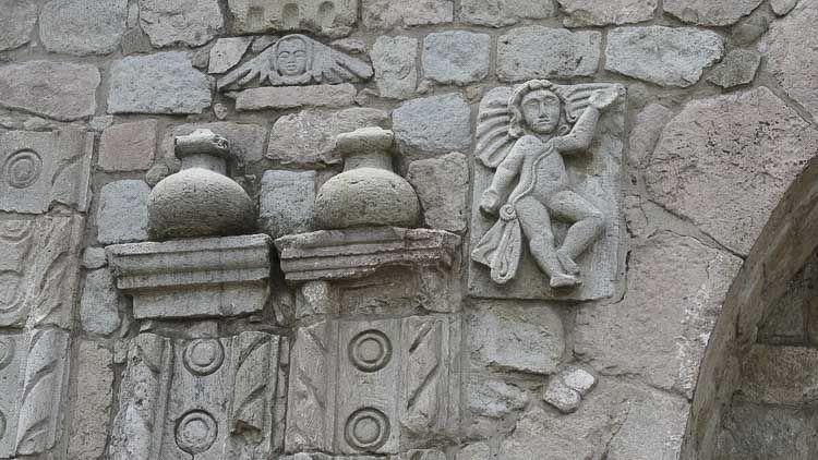 Detalle de los ángeles con la shigra - La Balbanera