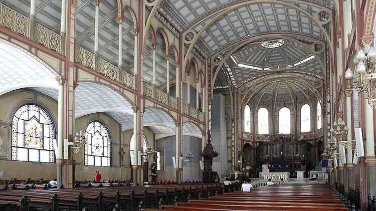 Vista interior de la Catedral de Martinique – Crédito: LecomteB - commons.wikimedia.org