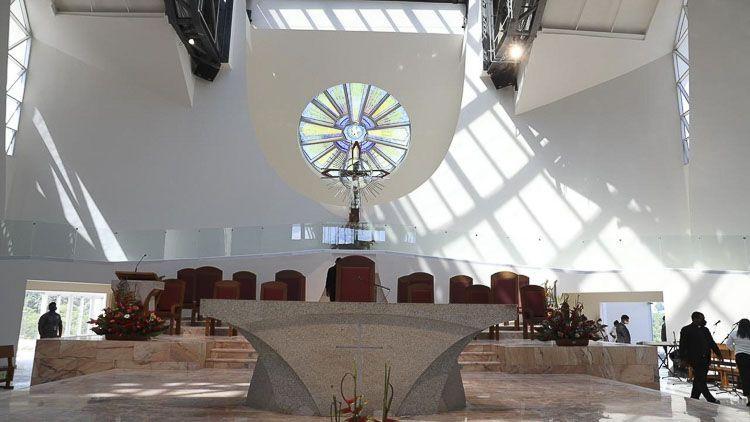 Presbiterio del Santuario Nacional Cristo de los Milagros - Bayaguana
