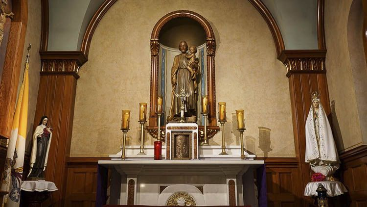 Altar de SAn Jose y el Niño en el santuario nacional de la divina misericordia