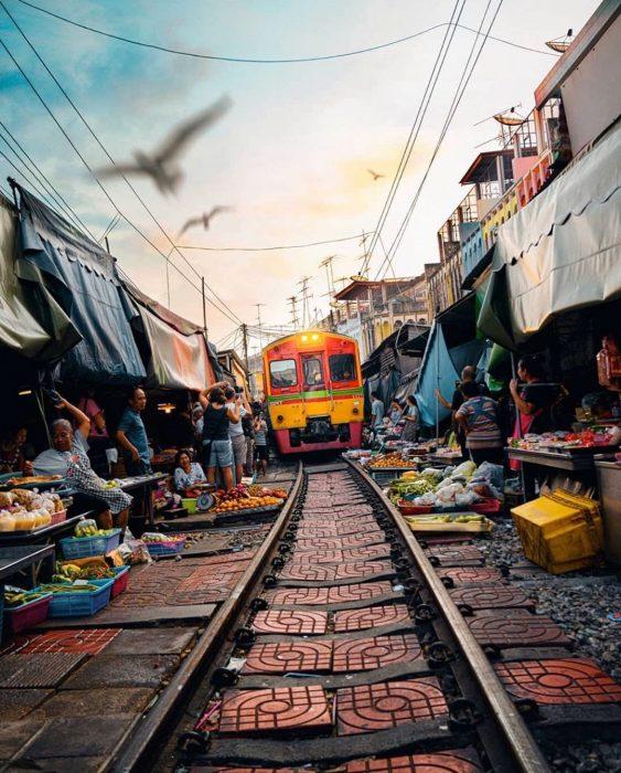 Rincones de Bangkok: mercado ferroviario de Maeklong