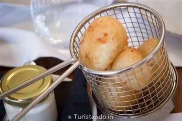 Café Lisboa em Lisboa Turistando.in 06 375x250 Conhecendo o restaurante Café Lisboa, do José Avillez.
