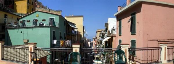 """Cinque Terre 21giu08 2 Manarola 30 600x223 Top5: 5 destinos para curtir o verão: """"Cinque Terre"""" na Itália"""