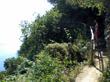 """Cinque Terre 21giu08 4 x 5 Sentiero Vernazza Monterosso 18 1 467x350 Top5: 5 destinos para curtir o verão: """"Cinque Terre"""" na Itália"""