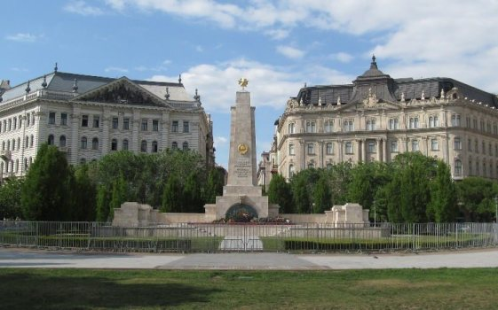 budapest szabadsag ter Conhecendo o lado Peste em Budapeste