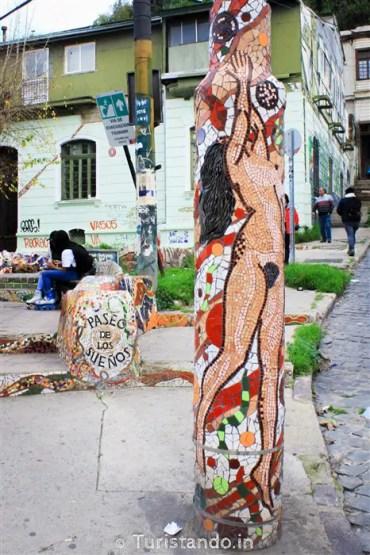 %name Bate e Volta de Santiago: Arte de rua em Valparaiso