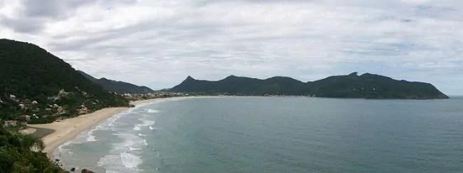 1024px Praia Pantano do Sul 2012 A e1535495131114 650x243 Todas as praias de Florianópolis