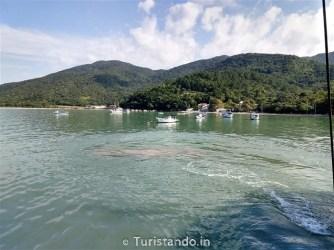 Barco Pirata Floripa Turistando.in 21 334x250 Veja como é o passeio de barco em Florianópolis