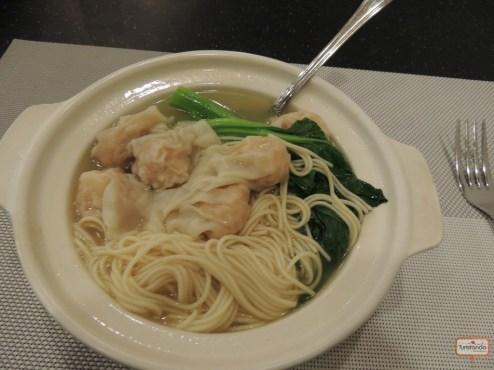 Chinese noodles com dumplings de camarão! Hum!!