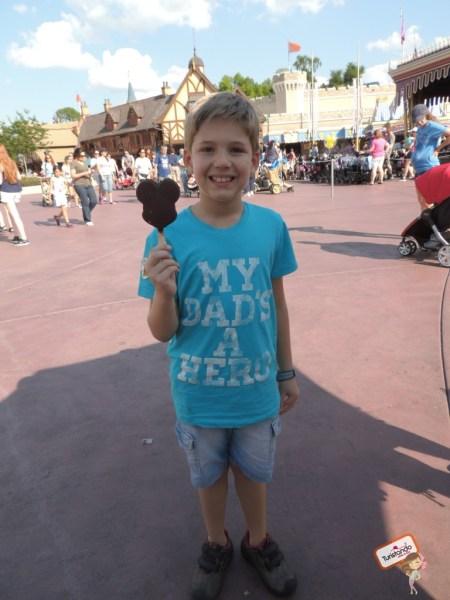 Meu pangarézinho e o sorvete com cara de Mickey