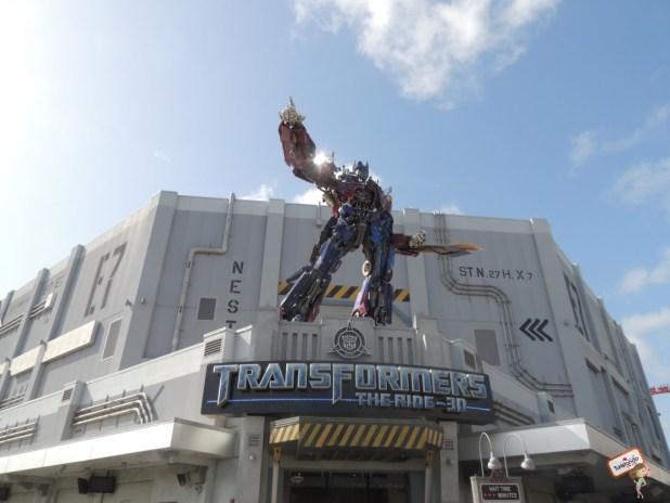 Entrada da atração Transformers, a melhor de todas!!