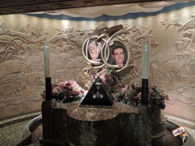 Memorial a Diana dentro da loja Harrods