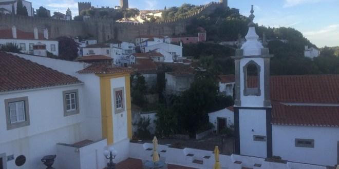 Um dia pela cidade medieval de Óbidos em Portugal
