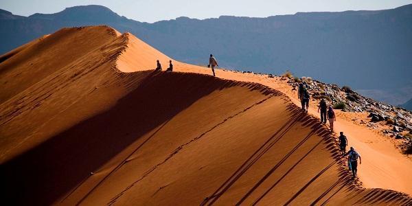 Trekking en el desierto del Sahara