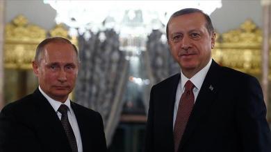 Photo of أردوغان وبوتين يبحثان هاتفياً الشأن السوري واغتيال السفير الروسي لدى أنقرة