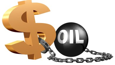 Photo of كيف تطورت العلاقة بين النفط والدولار