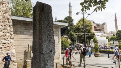 "Photo of إسطنبول.. الآلاف يزورون ""حجر المليون"" الأسطوري يوميا"