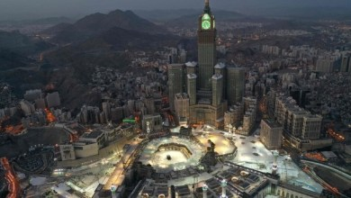 Photo of السعودية تعلن إعادة الحياة إلى طبيعتها في مكة بدءاً من الأحد