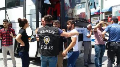 Photo of حوالي 2000 سوري تم ترحيلهم من تركيا بشهر واحد ومسؤول يُوضّح!