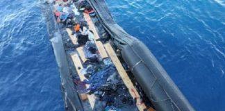 Afrikalı miqrantları daşıyan gəminin qəzaya uğraması anı