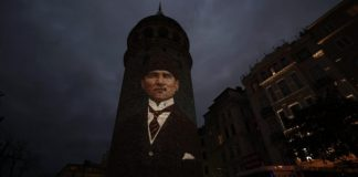 İstanbulun Qalata qülləsi
