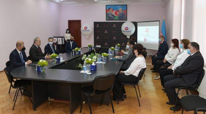 """Nazir Rəşad Nəbiyev """"AzEuroTel"""" MMC-nin əməkdaşlarını mükafatlandırıb"""