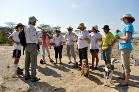 Joined by Tom and Fuzzy, the students and Dr. Fortelius have a pre-excavation discussion.