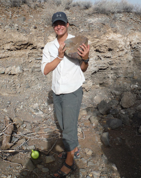 Jayde finds an even bigger piece of rhyolite for making stone tools.
