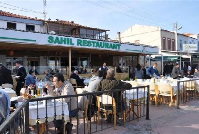 مطاعم جزر الاميرات البحريه و الشعبيه