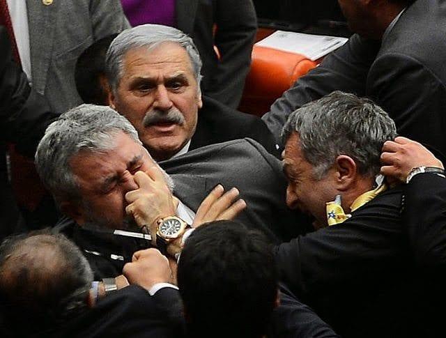 50eeb26f4fa67 Mavi Kart Yasa Tasarısı Kanunlaştı – Turkish Forum