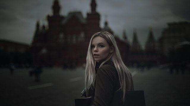 girl-1571459_640