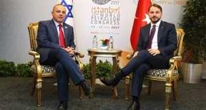 İsrail Enerji Bakanı Yuval Steinitz ve Türk mevkidaşı damat Berat Albayrak Doğu Akdeniz'de çıkartılan doğalgazı İsrail'den Türkiye'ye, buradan Avrupa'ya taşıyacak boru hattının inşası konusundaki planı pişiriyorlar elbirliğiyle.
