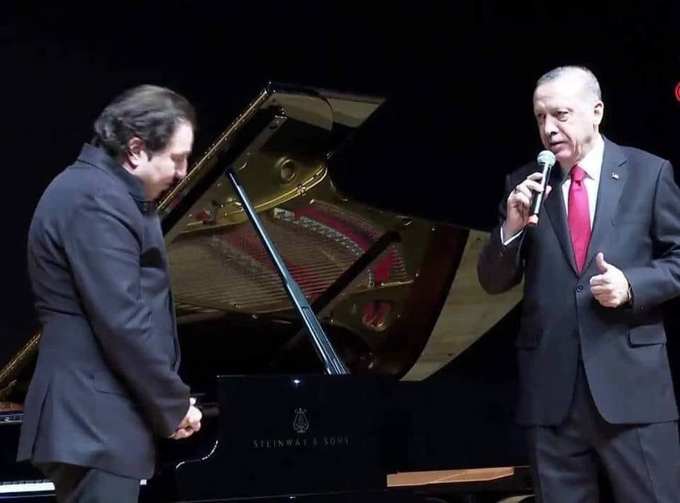 Cumhurbaşkanı Recep Tayyip Erdoğan Fazıl Say'ın konserine gitti