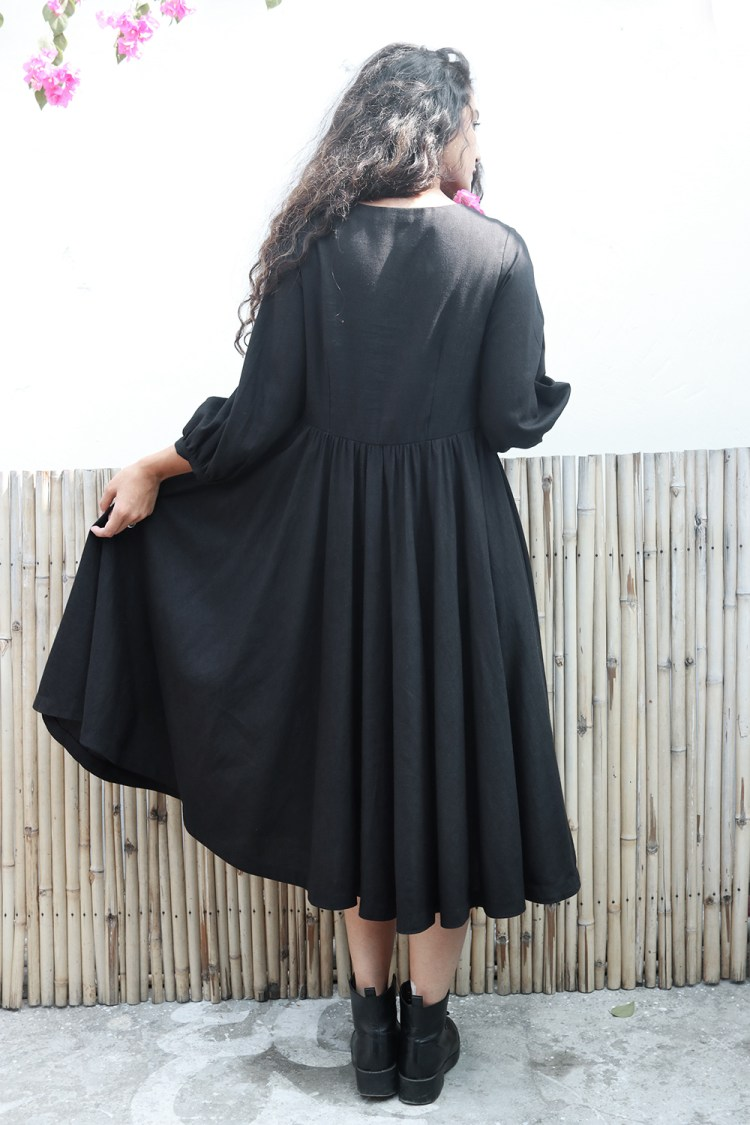 Black Gathered Buttoned Dress