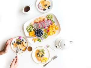 serving healthy food
