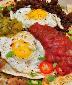 Tasty One Pan Huevos Rancheros