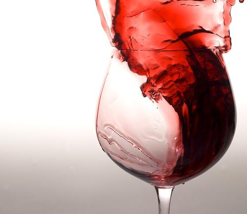 https://i0.wp.com/www.tusaludybienestar.es/wp-content/uploads/2011/10/vino-tinto.jpg