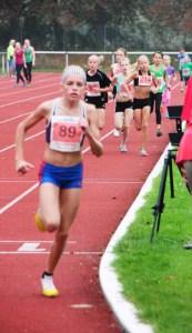 Marie Dehning bei ihrem Bezriskrekordlauf !