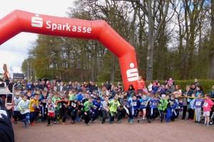 Start des 1. Schülerlaufes über 1 km