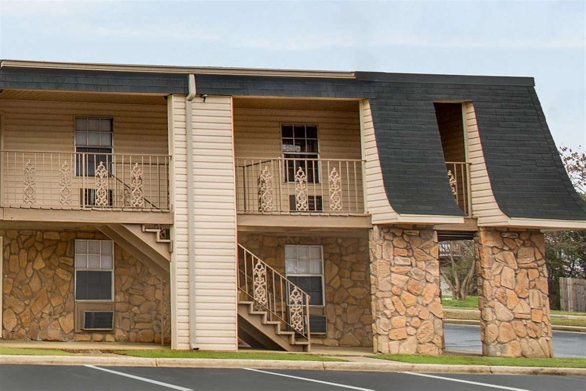 Brookstone  Apartment in Tuscaloosa AL