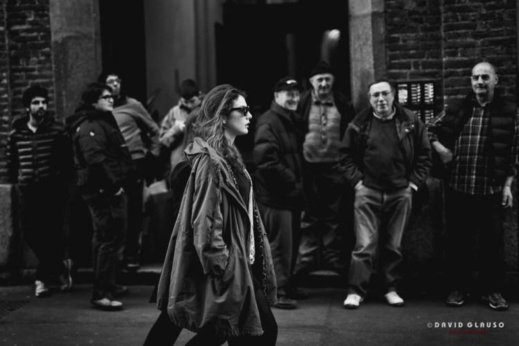 Ragazza nelle strade di Firenze fotografata da David Glauso