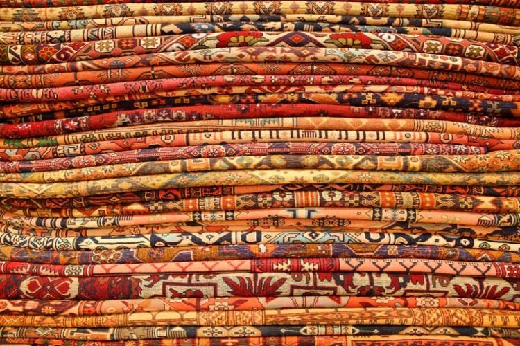 Nel mio viaggio In Asia ho scoperto delle curiosità musicali molto particolari, che intrecciano la tessitura dei tappeti alla scrittura delle partiture.