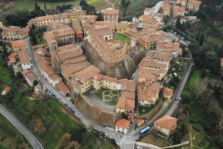La pasta artigianale Martelli viene prodotta a Lari, Pisa, nel pastificio Martelli secondo le antiche tradizioni della lavorazione della pasta in Toscana.