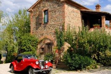 L'Hotelito Lupaia a Torita di Siena, in Val d'Orcia, Toscana, si trova vicino alla Terme di Bagno Vignoni ed è il luogo ideale per un weekende romantico