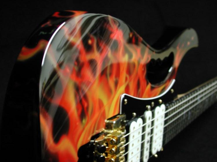 Giniski liutaio fiorentino produce strumenti musicali per i maggiori artisti nazionali ed internazionali