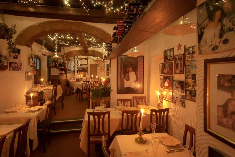 Tra i 5 ristoranti romantici a Firenze si trova il Ristorante La Giostra