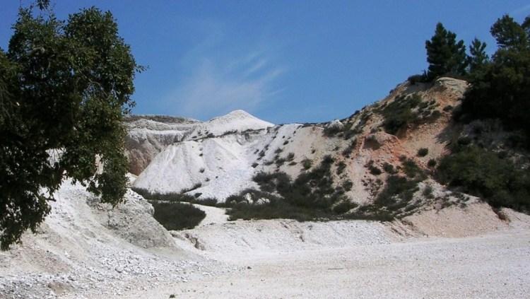 Le Colline Metallifere sono tra le tappe da non perdere durante una vacanza in Toscana centro occidentale: mare e colline, borghi e tradizioni